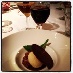 Spéculos belge, crème pâtissière au chocolat et crème glacée à la Leffe Brune - Guilde Culinaire